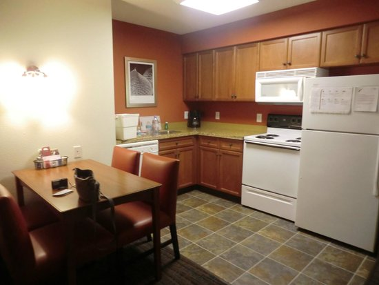Residence Inn Philadelphia Montgomeryville: 2-bedroom suite