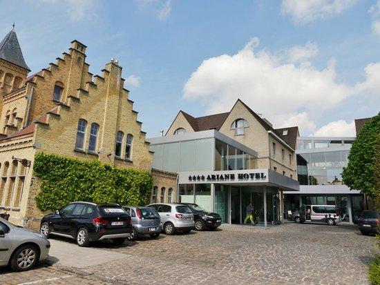 Hotel Ariane : ホテルの外観