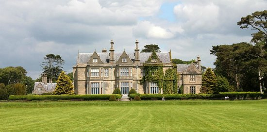 Muckross House, Gardens & Traditional Farms : Muckross House - Killarney National Park
