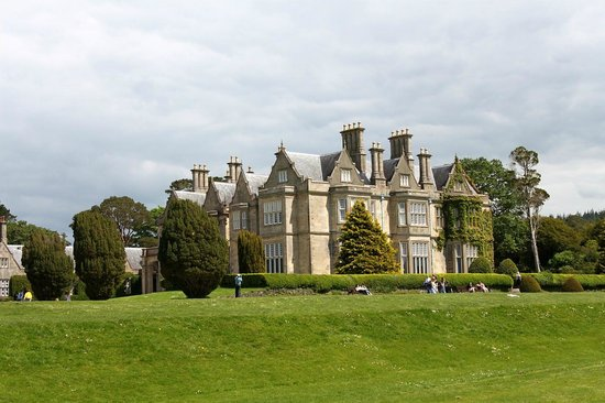 Muckross House, Gardens & Traditional Farms : Muckross House - Killarney National Par