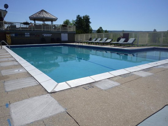 Mountain View Villas at Cranberry: Adults only pool at the Golf Course