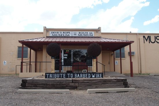 Devil's Rope and Route 66 Museum: Front entrance