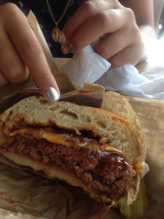 Hook Burger : Pretzel burger - awe so good!