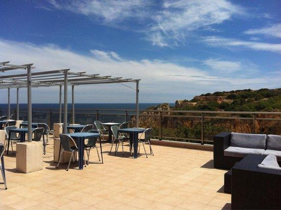 Carvi Beach Hotel Algarve: Terrace
