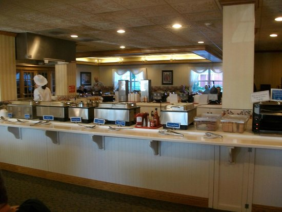 Blue Gate Garden Inn - Shipshewana Hotel: Breakfast Area