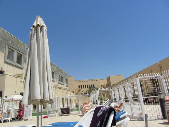 The Masada Hostel: The view from the pool
