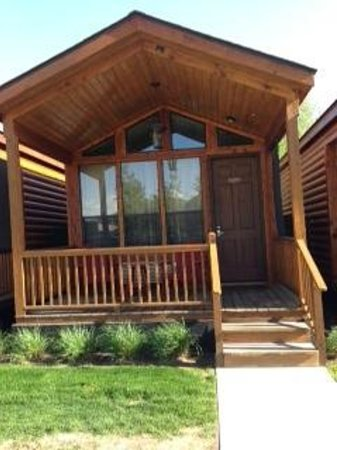 Rustic Inn Creekside Resort and Spa at Jackson Hole: view of cabin