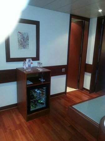 Holiday Inn Lisbon - Continental: Entry of suite