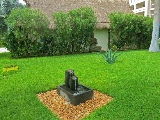 Secrets Silversands Riviera Cancun: the grounds
