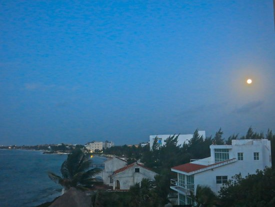 Secrets Silversands Riviera Cancun : Friday the 13th full moon from room 3312
