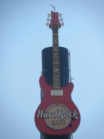 Hard Rock Cafe: Guitar