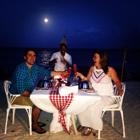 Tortuga Bay Hotel Puntacana Resort & Club: Romantic beach dinner with Jose, who was amazing and very attentive.