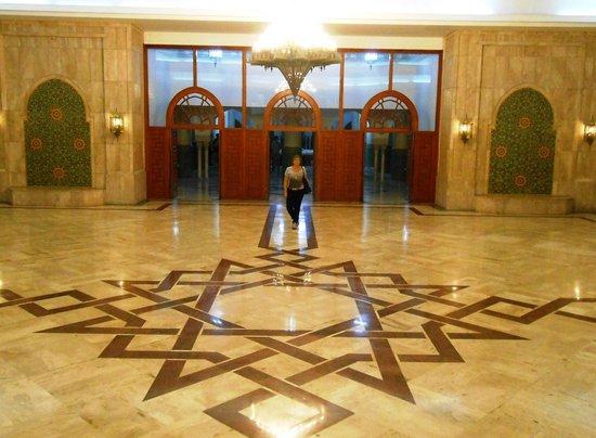 Mosquée Hassan II : Salão que dá acesso às fontes do subsolo
