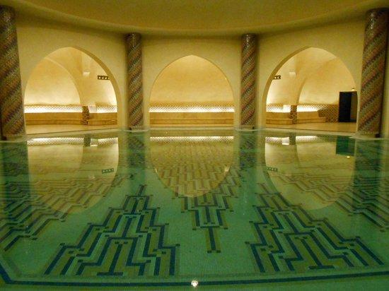 Mosquée Hassan II : Piscina no subsolo