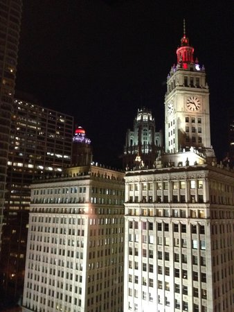 Trump International Hotel & Tower Chicago: night view from our room 2