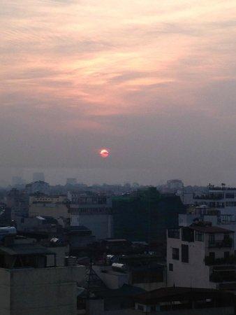 Hanoi Elegance Diamond Hotel : Sunset View from Restaurant
