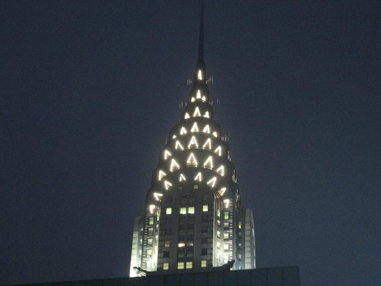 The Westin New York Grand Central : Chrysler Building at night