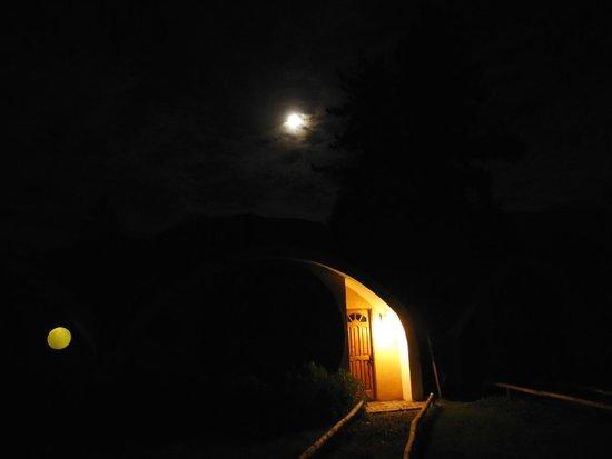 La Calma de Rita: Vista nocturna suite Cavas