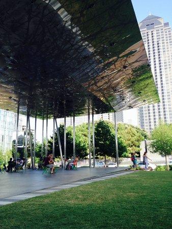 Klyde Warren Park: The pavilion