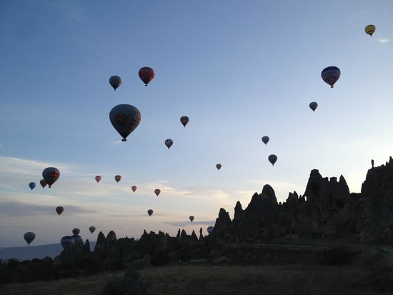 Anatolian Balloons: more than 60 balloons in the air