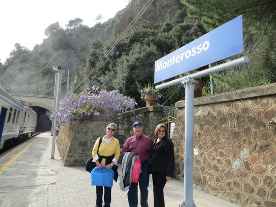 Hotel Pasquale: Easy train service walking distance from hotel
