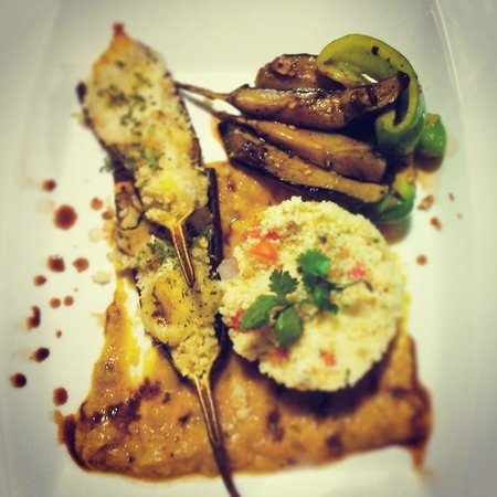 Ti Amo Ktm Pizzeria: Grill eggplant stuff with couscous and vegetables topped with mozzarella ... Served with creamy