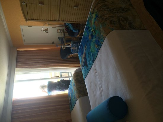 Guy Harvey Outpost, a TradeWinds Beach Resort : The room