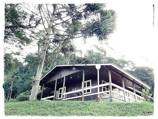 Pousada Shangrilla: Chalé de madeira