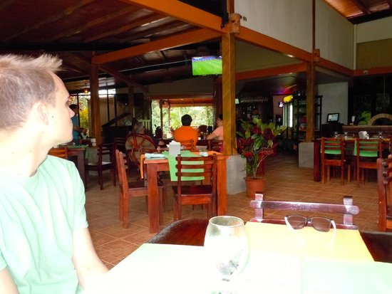 Que Rico Arenal: we were able to watch the world cup