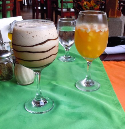 Que Rico Arenal: iced mochiatto and tropical spritzer