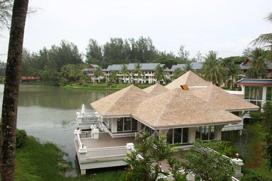 Outrigger Laguna Phuket Beach Resort: Club Lounge