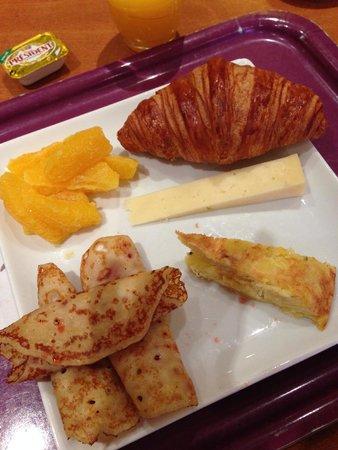 Ibis Bordeaux Centre Meriadeck : breakfast buffet