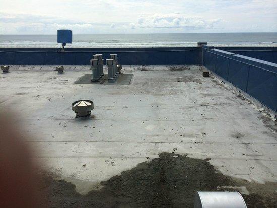 Shilo Inn Suites Hotel - Seaside Oceanfront: Loft room view of ocean