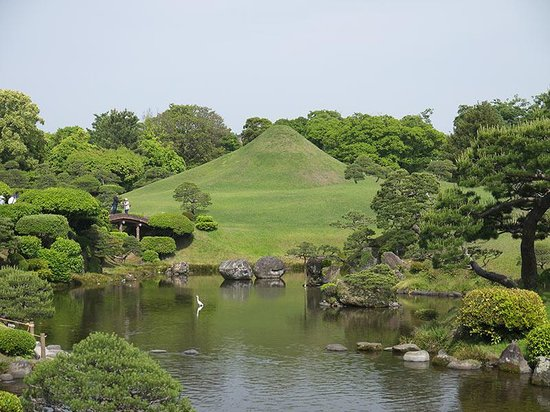 Suizenji Jojuen Garden : цапля в кадр попала