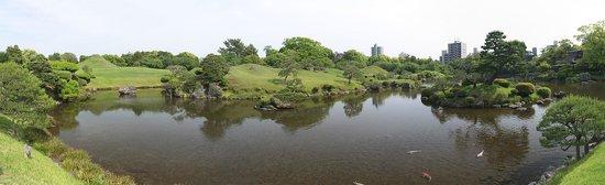 Suizenji Jojuen Garden : панорамно