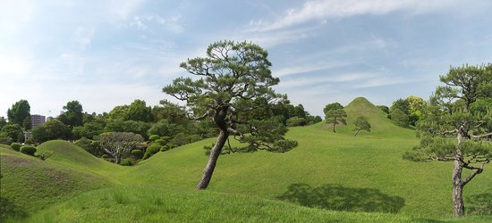 Suizenji Jojuen Garden : имитация горы Фудзи