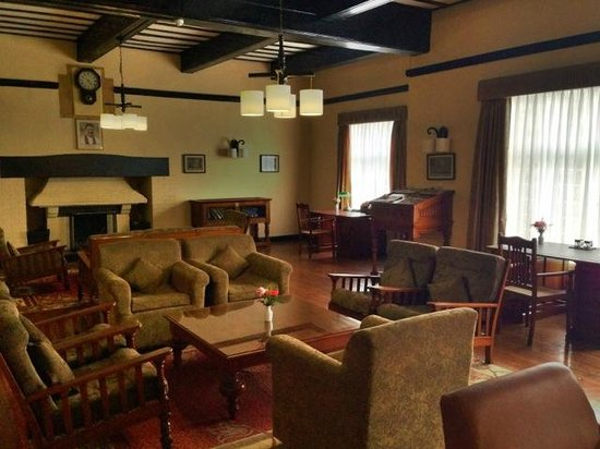 The Hill Club: Reading Room