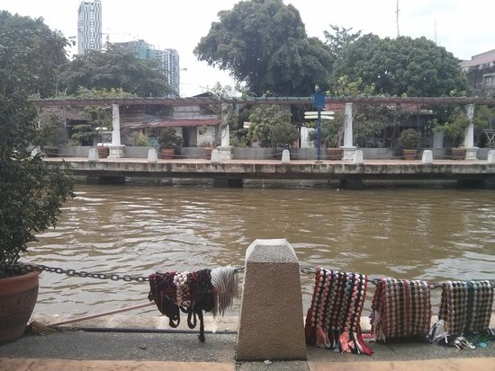 Oriental Riverside Residence Guest House: the river