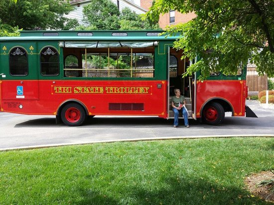 Tri State Travel Trolley Tour: Trolly bus
