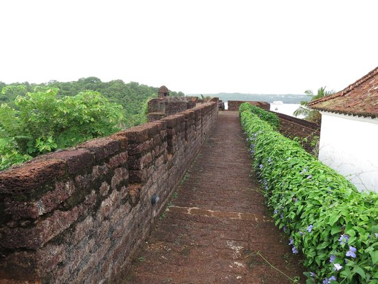 Reis Magos Fort: Atop fort