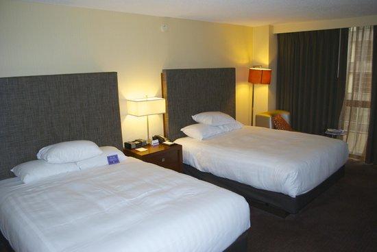 Hyatt Regency Chicago: Standard suite with two beds