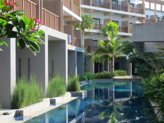 Deevana Plaza Krabi Aonang : General views of the hotel