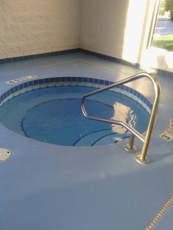 Comfort Inn & Suites : Jacuzzi, with jets on