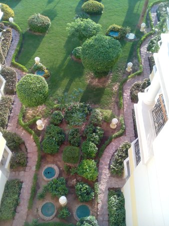 SUNRISE Holidays Resort: view of garden area from room 518