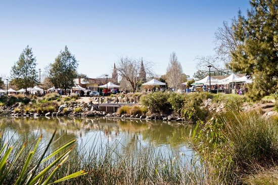Wagga Wagga Visitor Information Centre: Farmers' Markets