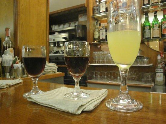Metropole: At the bar