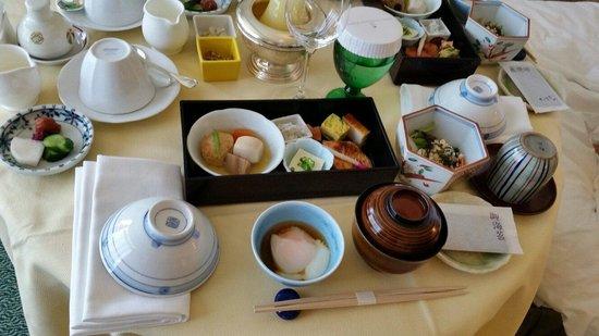 Hotel Chinzanso Tokyo : ルームサービスで頼んだ和朝食。とても美味しい。