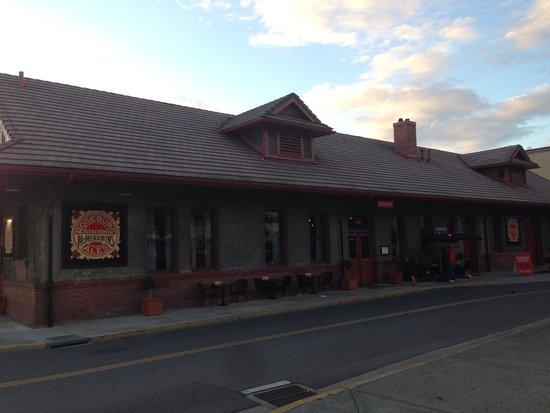 McMenamins Roseburg Station Pub & Brewery: Roseburg Station McMenamins