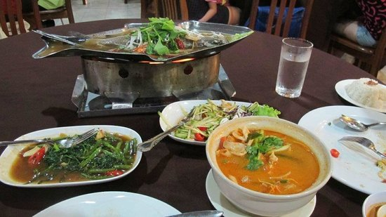 Wan Thai: Tom Yum, steamed fish, mango salad and morning glory
