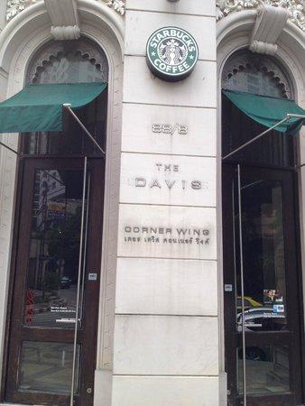 Davis Bangkok: Starbucks